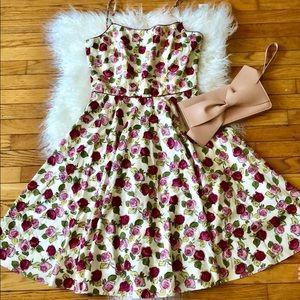 Elegant Roses Dress L